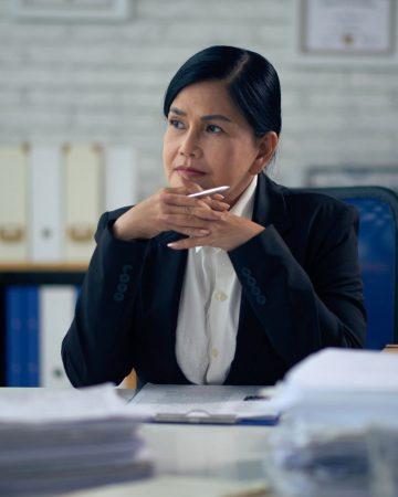experienced-female-lawyer-MRJATXL.jpg